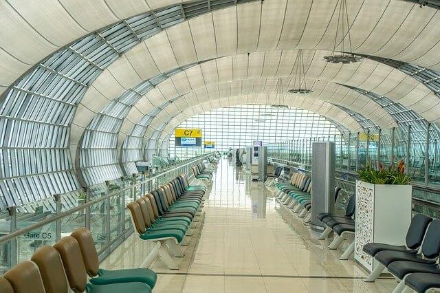 airport-1659008_640-1